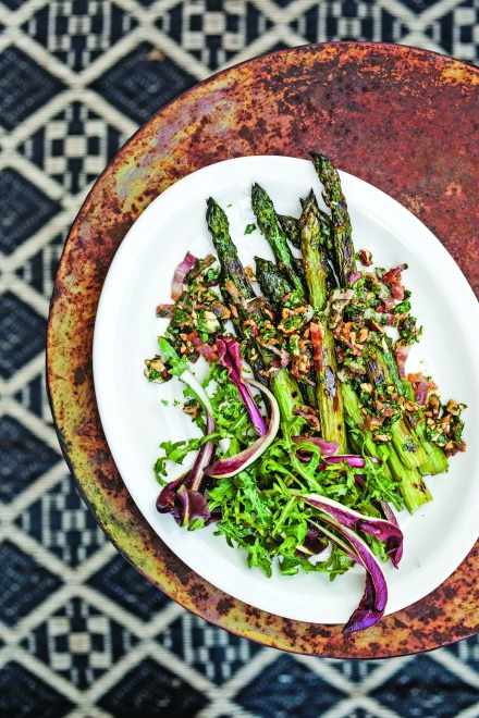 030_cp_grilledasparagus_beauty